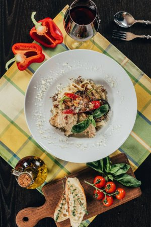 top view of plate with vegetarian pasta on table