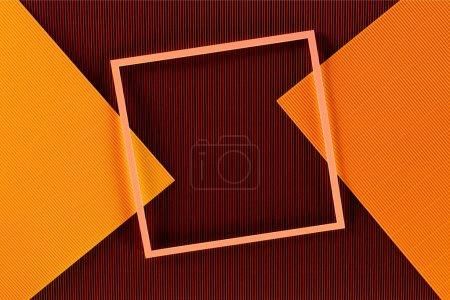 Photo pour Vue de dessus de l'arrangement des feuilles de papier colorées et du fond du cadre - image libre de droit