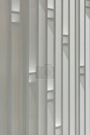 Foto de Textura geométrica de pared decorativa blanca - Imagen libre de derechos