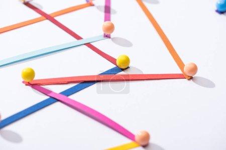 Photo pour Lignes connectées abstraites multicolores avec épinglettes, concept de connexion et de communication - image libre de droit