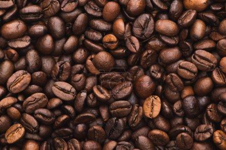 Photo pour Vue du dessus de café frais torréfié grains de fond - image libre de droit