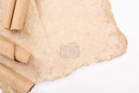Foto de Vista superior del papel antiguo antiguo aislado en blanco - Imagen libre de derechos