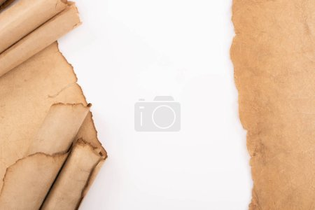 Foto de Vista superior del papel vacío de la cosecha aislado en blanco - Imagen libre de derechos