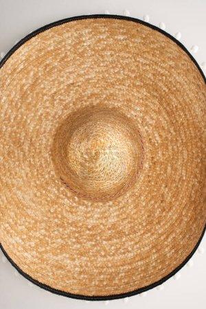 Photo pour Vue du dessus du sombrero mexicain sur fond blanc - image libre de droit