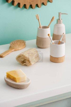 Foto de Eco friendly hygiene objects in bathroom, zero waste concept - Imagen libre de derechos