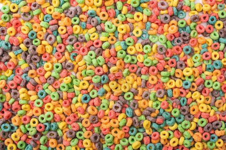 Foto de Vista superior del luminoso desayuno multicolor de cereales - Imagen libre de derechos