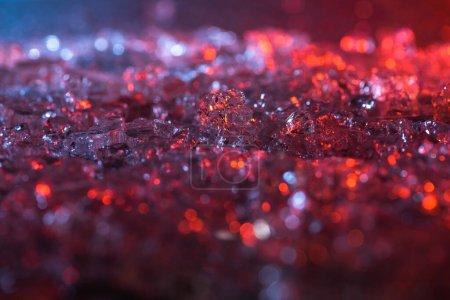 Foto de Vista de cerca de fondo abstracto de textura de cristal rojo y púrpura - Imagen libre de derechos
