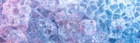 Photo pour Vue de dessus du fond texturé abstrait en cristal bleu, vue panoramique - image libre de droit