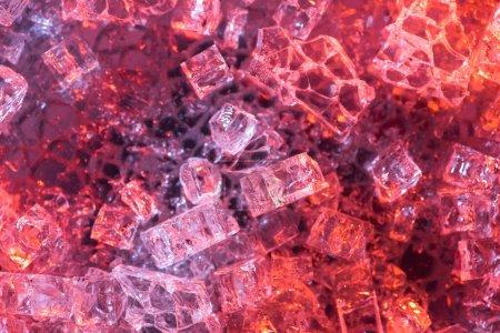 Photo pour Vue du dessus de fond texturé abstrait rouge et violet glace - image libre de droit