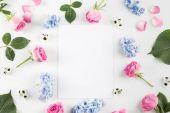 Постер цветы и пустая карточка