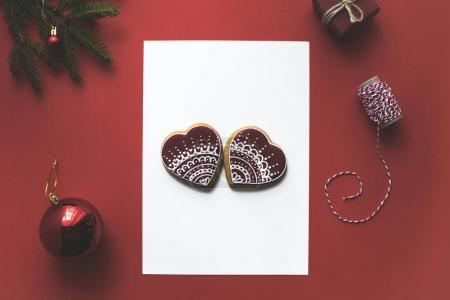 christmas card with gingerbread cookies