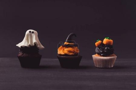 traditional halloween cupcakes