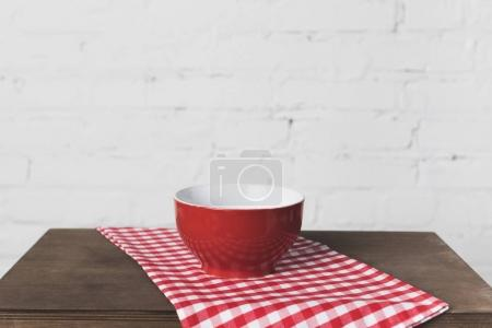 Photo for Close-up view of empty bowl on wooden table - Royalty Free Image
