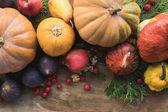 """Постер, картина, фотообои """"тыквы и фрукты на столе"""""""