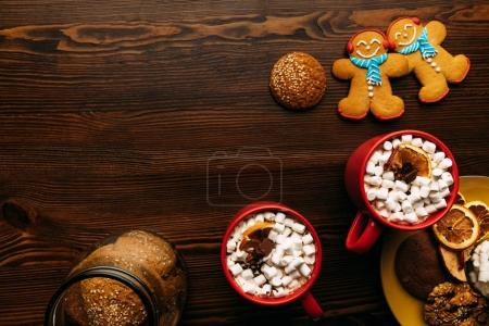 Gingerbread men and hot chocolate