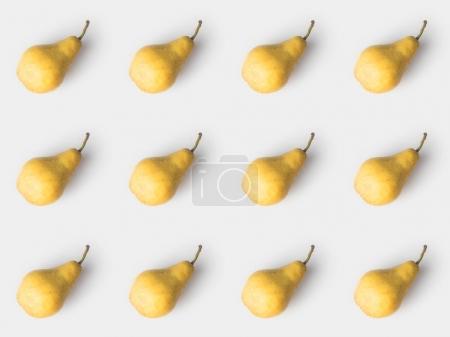 Photo pour Modèle de délicieuses poires isolé sur blanc - image libre de droit
