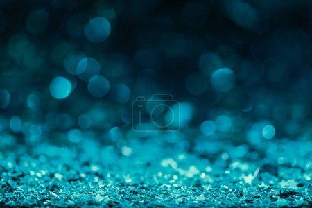 Photo pour Festif fond avec brillant des confettis dans les tons turquoises - image libre de droit