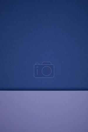 Photo pour Beau fond abstrait en papier géométrique bleu et violet - image libre de droit