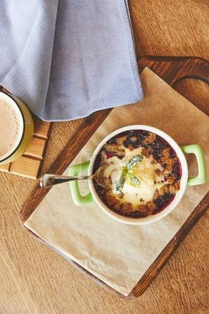 Cobbler pie in pot served with coffee