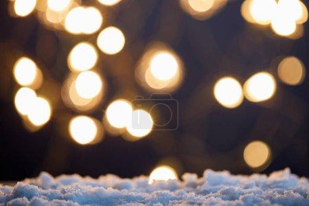 Foto de Background with blurred christmas lights and snow - Imagen libre de derechos