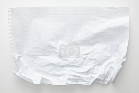 Photo pour Top view of empty crumpled paper on white background - image libre de droit