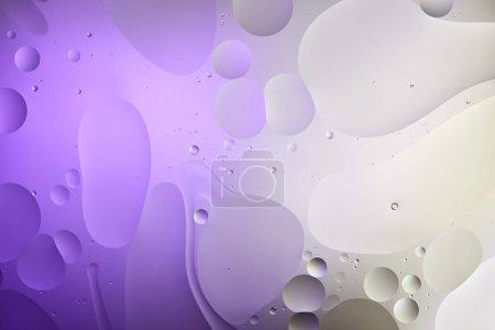 Photo pour Texture créative de couleur violette et grise à partir de bulles d'eau et d'huile - image libre de droit