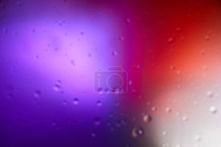Photo pour Couleur abstraite pourpre et rouge sur fond de mélange d'eau et de bulles d'huile - image libre de droit