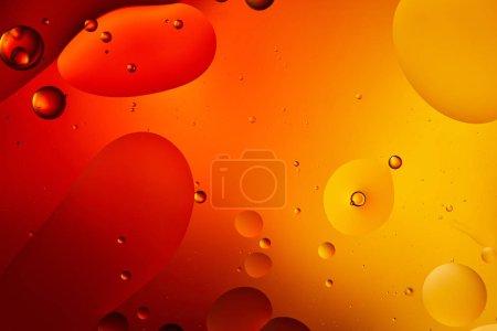 Photo pour Beau fond abstrait de mélange d'eau et d'huile de couleur orange - image libre de droit