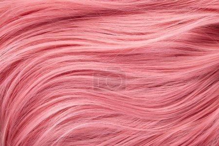 Photo pour Vue de près des cheveux roses colorés - image libre de droit