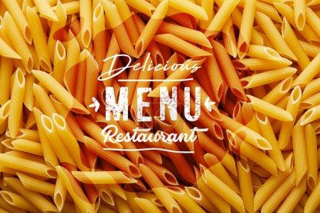 Photo pour Top vue de fond de penne crue sans couture, délicieux menu illustration de restaurant - image libre de droit