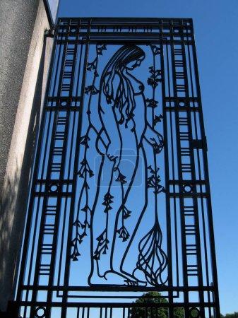 Photo pour OSLO, NORVÈGE - 19 juillet 2006 : Portail de fer à Vigeland Park - image libre de droit