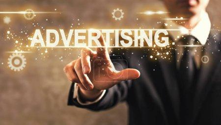 Photo pour Publicité texte présentant de l'homme d'affaires sur fond flou - image libre de droit