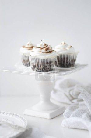 Chocolate Meringue Cupcakes
