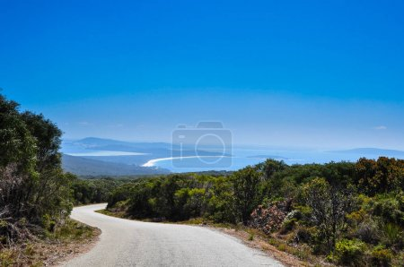 Road to turquoise ocean