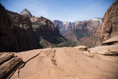 Photo pour Vue des majestueuses montagnes Rocheuses - image libre de droit
