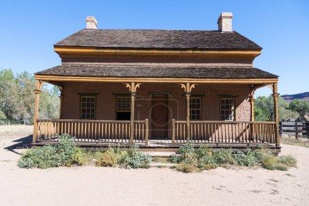 Photo pour Vieux bâtiment dans la ville fantôme de Grafton, Utah - image libre de droit