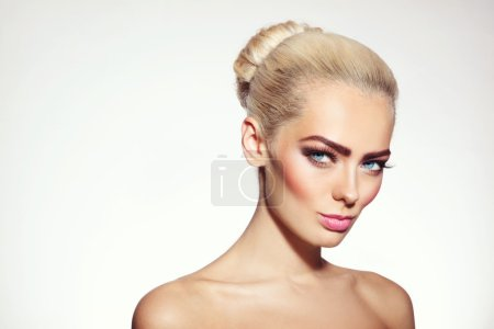 Young girl with vintage style make-up