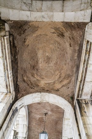 Arche of stone in Aranjuez city