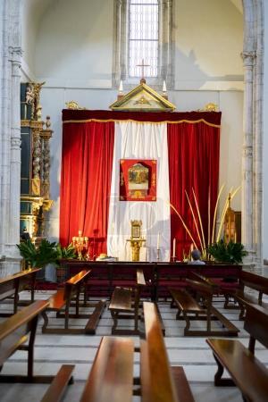 Foto de Semana Santa en España, imágenes de vírgenes y representaciones de Cristo, escenas de la fe en iglesias y templos de adoración de la cristiandad - Imagen libre de derechos