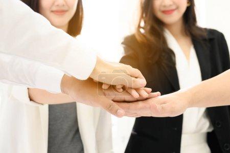 Équipe d'affaires travaillant ensemble collaboration, homme d'affaires et femme d'affaires concept de travail d'équipe