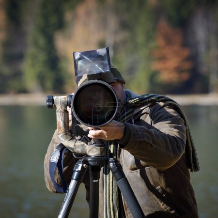 wildlife photographer outdoor in action