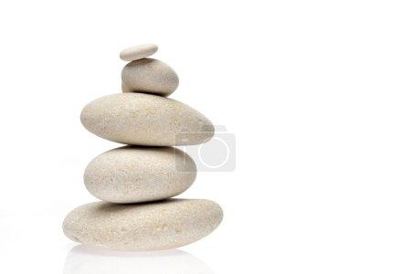 Photo pour Pile de pierres isolées sur fond blanc - image libre de droit