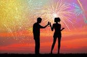 Novoroční přípitek s ohňostrojem exploze