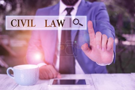 Photo pour Ecriture conceptuelle montrant le droit civil. Notion Loi relative aux relations privées entre les membres de la communauté Homme d'affaires pointé du doigt devant lui - image libre de droit