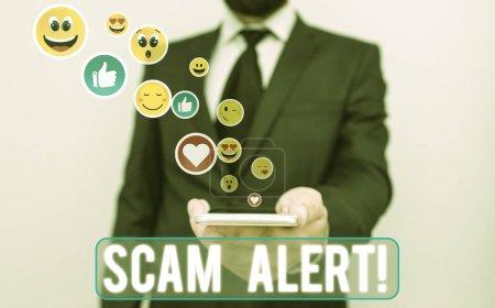Photo pour Texte manuscrit Scam Alert. Photo conceptuelle obtenir frauduleusement de l'argent de la victime en le persuadant - image libre de droit