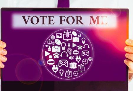 Photo pour Texte écrit Votez pour moi. Photo conceptuelle Campagne pour une position gouvernementale lors des prochaines élections - image libre de droit