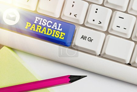 Photo pour Écriture manuscrite Fiscal Paradise. Photo conceptuelle Le gaspillage des deniers publics est un sujet de grande préoccupation - image libre de droit