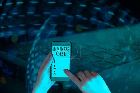 Photo pour Signe texte montrant l'analyse de rentabilisation. Photo d'affaires montrant Proposition Engagement Présentation verbale Nouvelle tâche - image libre de droit