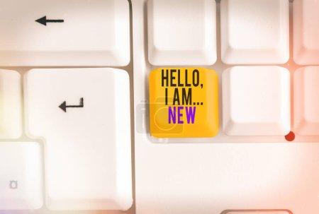 Photo pour Signe texte montrant Bonjour je suis nouveau. Photo d'affaires présentant un accueil utilisé ou commencer la conversation téléphonique - image libre de droit
