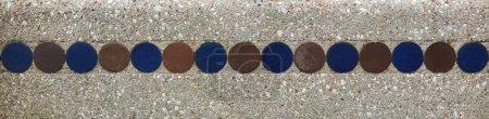 Photo pour Gros plan de mur, de motif ou de fond en béton décoré gris - image libre de droit